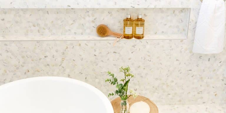 5 styling tips for a beautiful bathroom
